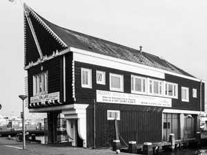 Kantoor koppes scheepsagentuur houtbouw met wortels in marken